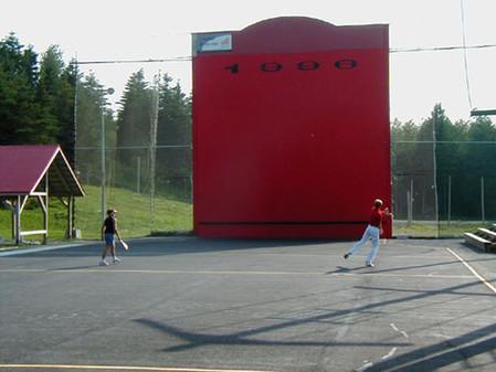 Juego a una pared en Québec.